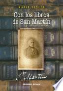Con los libros de San Martín