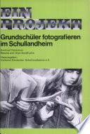 Grundschüler fotografieren im Schullandheim