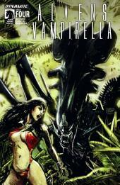 Aliens / Vampirella #4