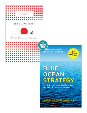 Blue Ocean Strategy with Harvard Business Review Classic Article    Red Ocean Traps     2 Books
