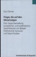 Finger, die auf den Mond zeigen