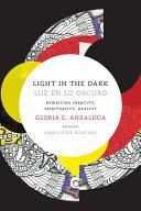 Pdf Light in the Dark/Luz en lo Oscuro